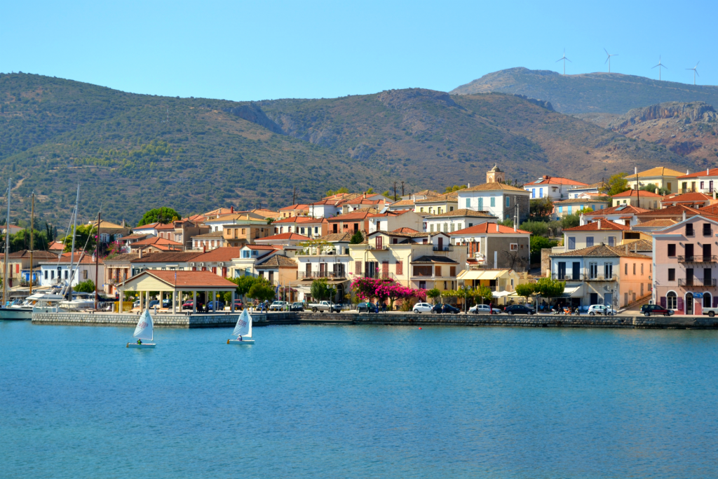 10 must-see destinations in mainland Greece-10 must-see destinations in mainland Greece