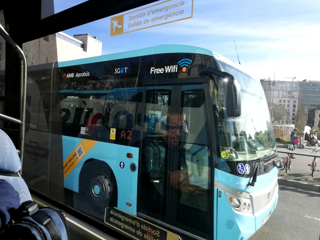 The easiest and fastest way to go from the airport to Barcelona city- aerobus